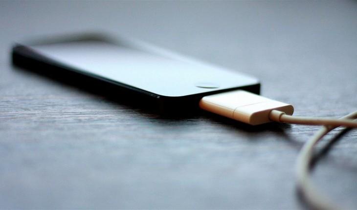 Jugar en tu smartphone con el cargador conectado
